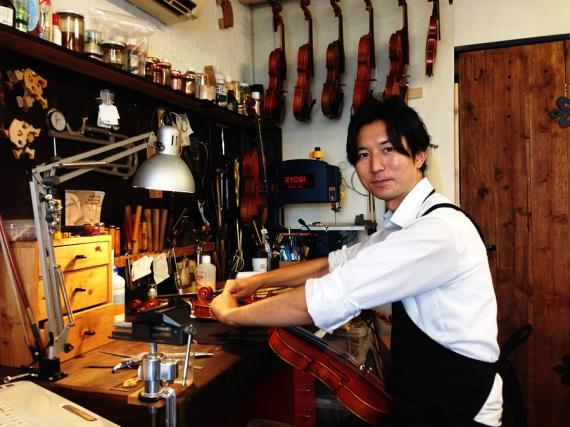 天沢バイオリン工房 中村純さん